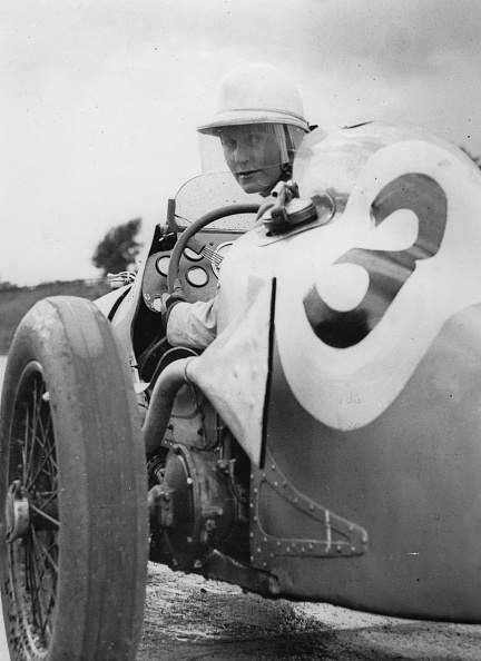 Sports Track「The Canadian Auto Racing Driver And Journalist Kay Petre At Brooklands Motor Racing Circuit. Weybridge In Surrey. 27Th September 1937. Photograph.」:写真・画像(12)[壁紙.com]