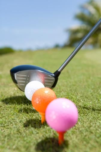Northern Mariana Islands「Colorful Golf Balls on Tee and Golf Club」:スマホ壁紙(2)