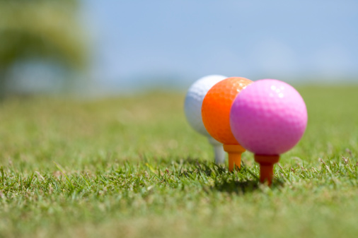 Northern Mariana Islands「Colorful Golf Balls on Tee, Differential Focus」:スマホ壁紙(8)