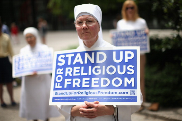 Religion「Supreme Court Rules In Favor Of Hobby Lobby In ACA Contraception Case」:写真・画像(1)[壁紙.com]