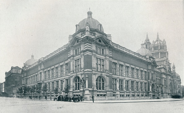 Victoria And Albert Museum - London「The New Victoria And Albert Museum Opened On June 26Th, 1909', c.1909.」:写真・画像(9)[壁紙.com]