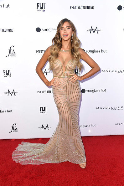 Nude Colored Dress「The Daily Front Row's 5th Annual Fashion Los Angeles Awards - Arrivals」:写真・画像(14)[壁紙.com]