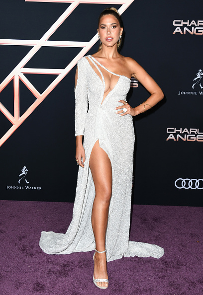 """Sheer Fabric「Premiere Of Columbia Pictures' """"Charlie's Angels"""" - Arrivals」:写真・画像(7)[壁紙.com]"""