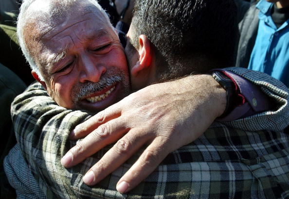 Men「Israel Frees Palestinan Prisoners As Part Of An Exchange Deal」:写真・画像(0)[壁紙.com]