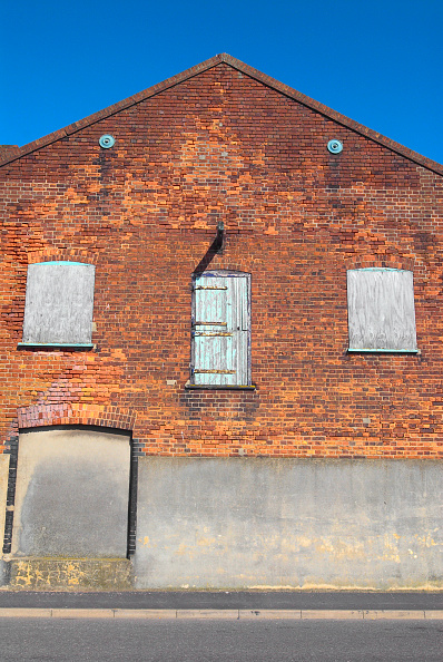 Brick Wall「Boarded up warehouse, Great Yarmouth, United Kingdom」:写真・画像(18)[壁紙.com]