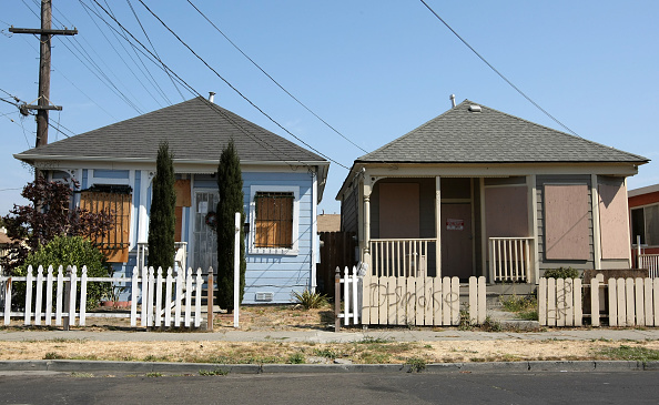 Boarded Up「Monthly Foreclosures Up 55 Percent Compared To July Of Last Year」:写真・画像(15)[壁紙.com]