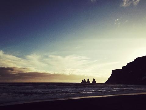 Basalt「Reynisdrangar basalt sea stacks at sunset in Vik,Iceland」:スマホ壁紙(3)