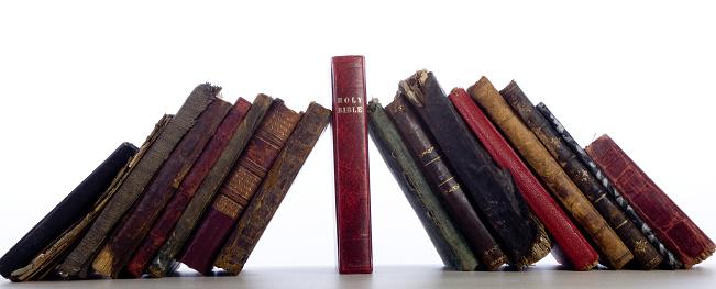 おとぎ話「アンティーク歴史ある本のグループの壁に聖書を Keystone」:スマホ壁紙(10)