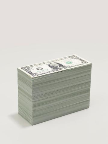 Currency「A pile of dollar bills」:スマホ壁紙(15)