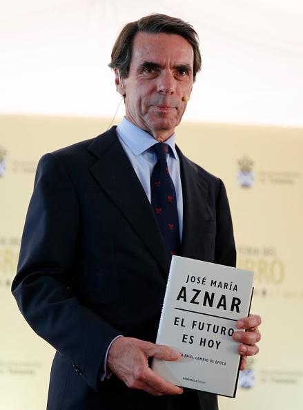 Jose Maria Aznar「Former Spain Prime Minister Jose Maria Aznar Attends The Tomares Book Fair」:写真・画像(6)[壁紙.com]