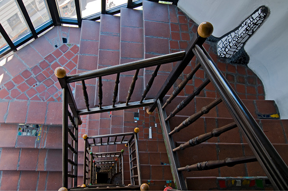 Apartment「Staircase In The Hundertwasser House」:写真・画像(7)[壁紙.com]