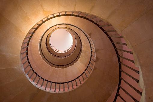 Dizzy「Staircase in Beckford's Tower」:スマホ壁紙(16)