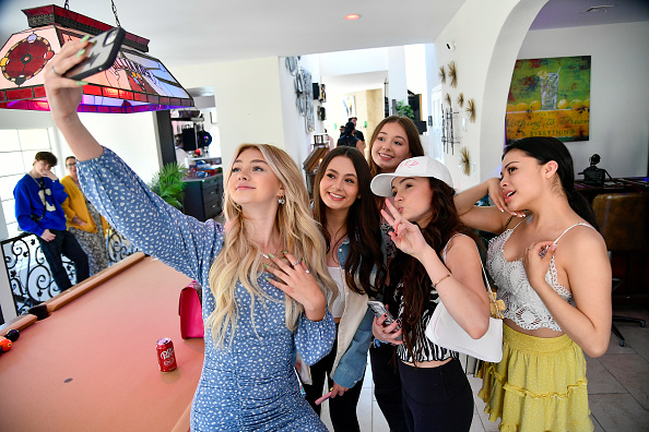 Event「PopWrapped Entertainment Group Hosts SaturYAY Influencer Event At The DreamLA Mansion」:写真・画像(12)[壁紙.com]