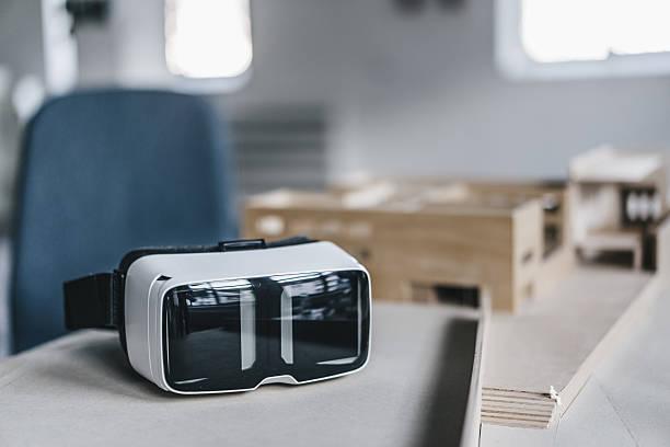 VR glasses and architectural model on desk:スマホ壁紙(壁紙.com)