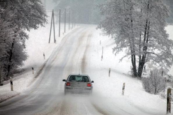 Road「Freezing Temperature Hit Germany」:写真・画像(8)[壁紙.com]