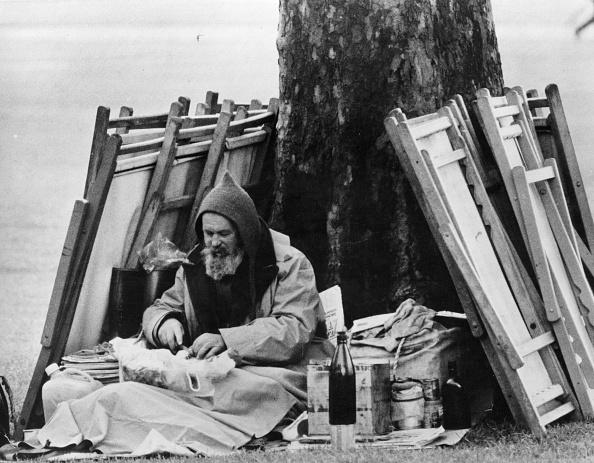 Homelessness「Park Picnic」:写真・画像(4)[壁紙.com]