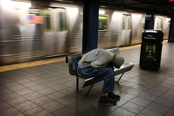 Homelessness「New York City's Subway System To Shut Down Overnight For Cleaning During Coronavirus Pandemic」:写真・画像(15)[壁紙.com]