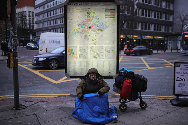 Homeless People Brave The Cold Weather:ニュース(壁紙.com)