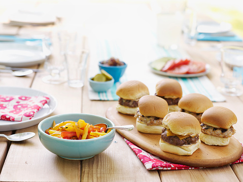 Slider - Burger「Picnic Table Spread」:スマホ壁紙(10)