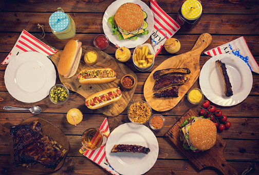 Hot Dog「Picnic Table to Celebrate 4th of July」:スマホ壁紙(17)