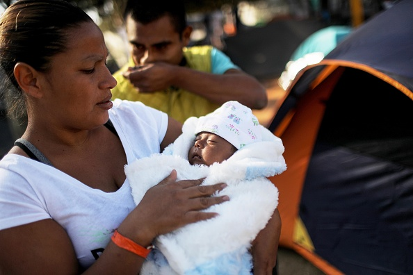 Refugee「Immigrant Caravan Members Gather At U.S.-Mexico Border」:写真・画像(19)[壁紙.com]