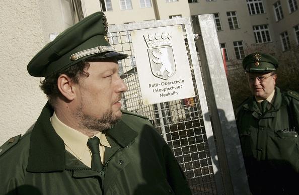 Complexity「Berlin School Threatened by Student Violence」:写真・画像(16)[壁紙.com]