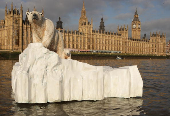 キャラクター「Giant Polar Bear Is Floated Down The Thames」:写真・画像(8)[壁紙.com]
