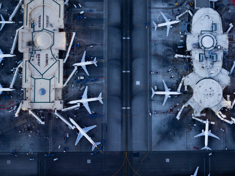 Mode of Transport「Airliners at  gates and Control Tower at LAX」:スマホ壁紙(8)