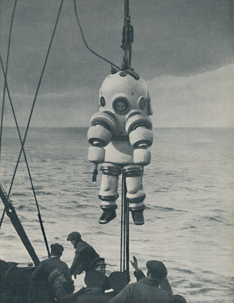Pulley「The Eternal Fight Against The Sea: Armoured Casing For The Deep-Sea Diver」:写真・画像(14)[壁紙.com]