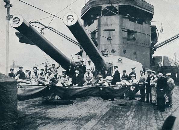 Sailor「The big guns of HMS New Zealand, c1914.」:写真・画像(0)[壁紙.com]