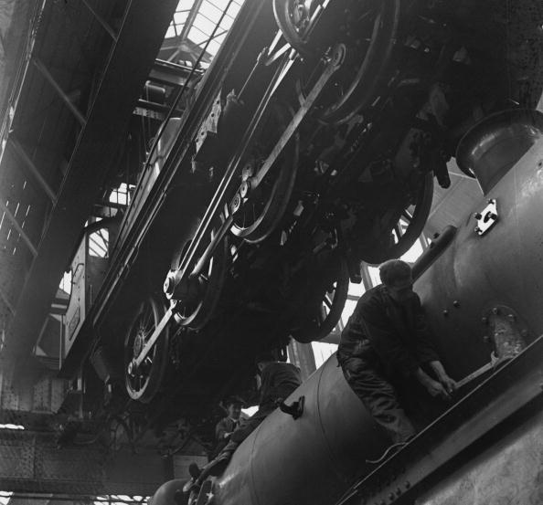 Fred Morley「Train Construction」:写真・画像(16)[壁紙.com]