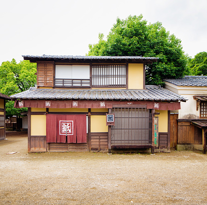 Japanese Language「Japanese Edo house and store exterior facade movie set at Toei Studios Kyoto」:スマホ壁紙(10)
