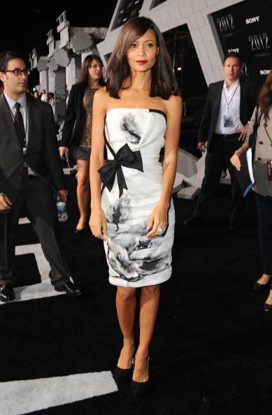 "Eyeliner「Premiere Of Sony Pictures' ""2012"" - Arrivals」:写真・画像(18)[壁紙.com]"