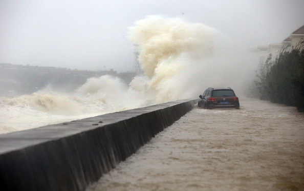 Wave - Water「Typhoon Dujuan Makes Landfall In Fujian」:写真・画像(2)[壁紙.com]