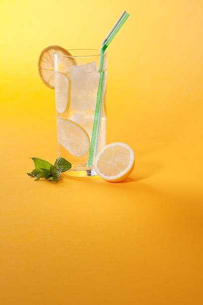 Refreshing Summer Drink:スマホ壁紙(壁紙.com)