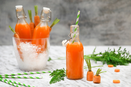 Vegetable Juice「Refreshing carrot juice on marble」:スマホ壁紙(19)