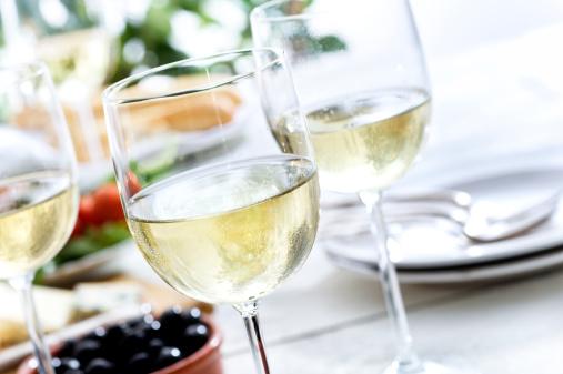 春「爽やかな白ワイン」:スマホ壁紙(9)