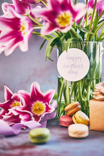 母の日「筆文字カードを使って母の日紫チューリップ花束」:スマホ壁紙(8)