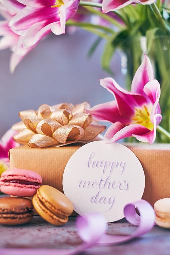 母の日「筆文字カードを使って母の日紫チューリップ花束」:スマホ壁紙(5)