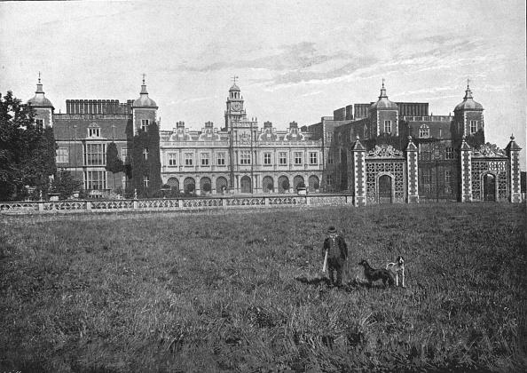 Hertfordshire「Hatfield House, South Front,C1900」:写真・画像(9)[壁紙.com]
