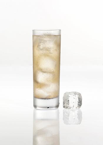 Drinking「Vodka」:スマホ壁紙(10)