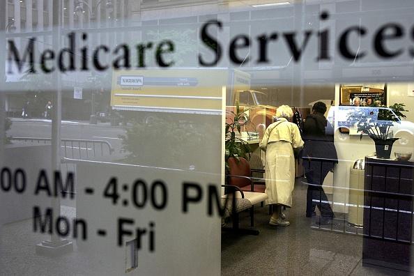 Medical Insurance「Seniors Rush To Register For Medicare Part D Plan Before Deadline」:写真・画像(9)[壁紙.com]