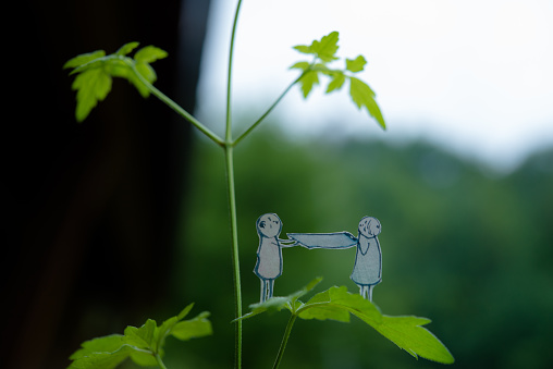 Paper Craft「Two people on the leaf」:スマホ壁紙(11)