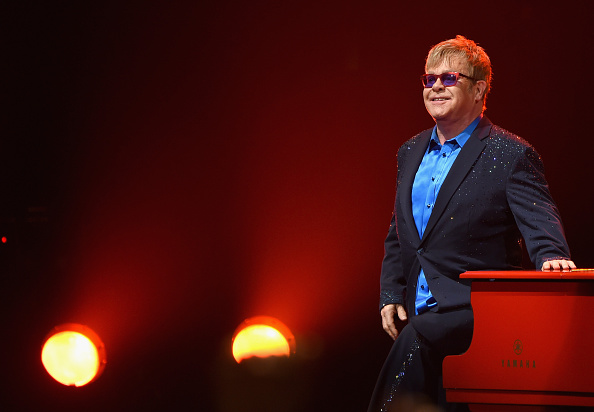 Larry Busacca「Island Life Presents Elton John And His Band At the Wiltern With Special Guests」:写真・画像(1)[壁紙.com]