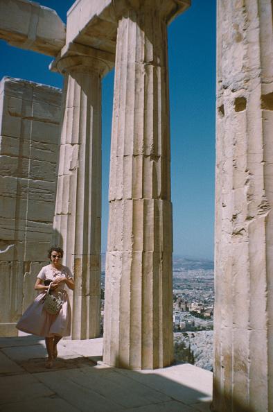 Architectural Column「Propylaea Tourist」:写真・画像(17)[壁紙.com]