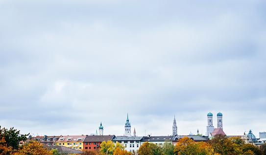 Munich「Germany, Munich, Skyline in autumn」:スマホ壁紙(6)