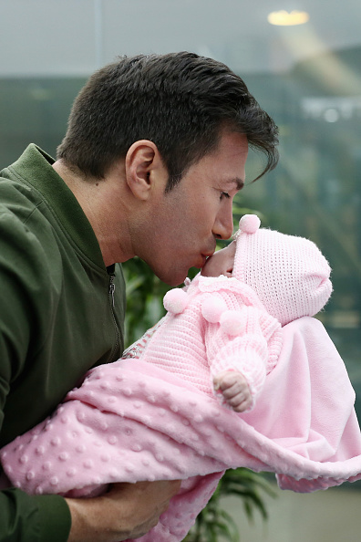 Parent「Daniela Katzenberger And Lucas Cordalis Family Photocall」:写真・画像(3)[壁紙.com]