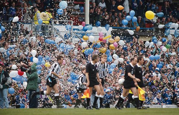 Leicester「Leicester City Fans Leicester City v Newcastle May 1992」:写真・画像(2)[壁紙.com]