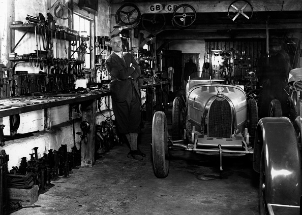 Repair Shop「Malcolm Campbell」:写真・画像(10)[壁紙.com]