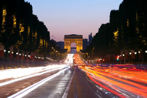 Arc de Triomphe - Paris「Avenue Champs-Elysees and Arc de Triomphe」:スマホ壁紙(15)